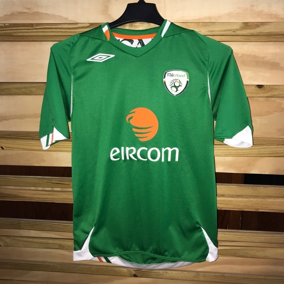 reputable site 81624 95f33 Vintage Ireland Soccer Jersey